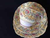 Colclough pretty china tea trio - 1940's